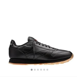 NWT Mens Leather Reeboks